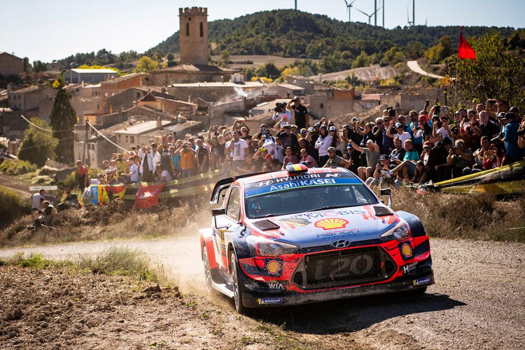 Thierry Neuville e Nicolas Gilsoul con la Hyundai i20 Coupé WRC si aggiudicano la tappa del WRC del Rally di Spagna Catalunya-Costa Daurada