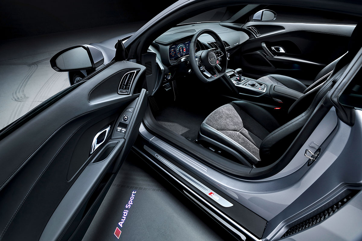 Audi-R8-RWD-Interni
